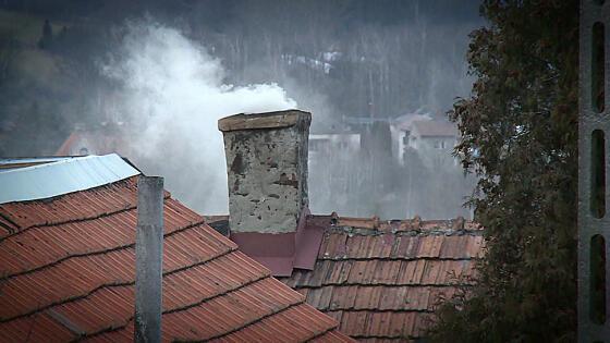 9a8ade42 W połowie kwietnia mają zakończyć się prace nad nowym programem  antysmogowym. Zgodnie z nim ocieplenie domów będzie wiązało się z wymianą  pieców ...