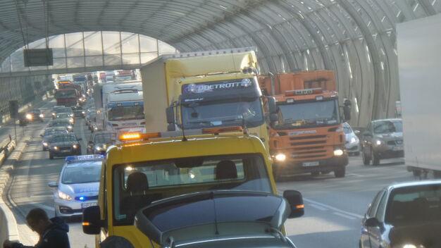 Poranna kolizja na S8. Zderzyły się trzy samochody