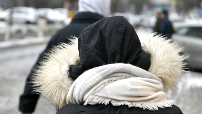 Jedni: śliczna pogoda! Inni: zimno, strasznie zimno. Mróz podzielił Polaków