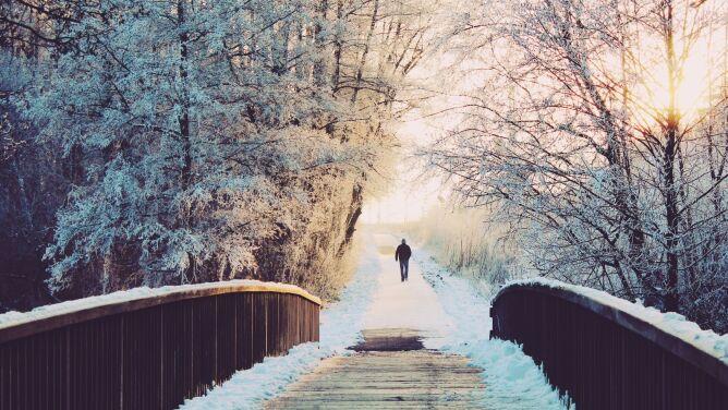 Prognoza pogody na dziś: trochę zachmurzeń, miejscami spadnie śnieg