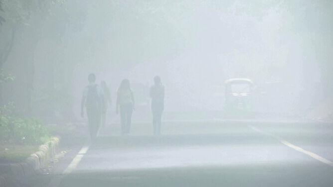 Smog tak gęsty, że nie latają samoloty. <br />Szans na poprawę nie widać