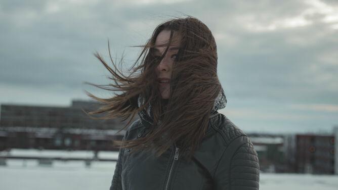 Pogoda na dziś: niebezpieczny wiatr, opady, burze i chłód. Zapowiada się kolejny trudny dzień